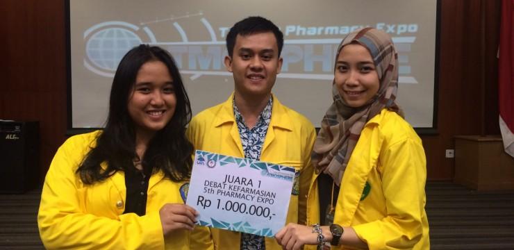 Mahasiswa Farmasi Juara 1 Debat Kefarmasian di Pharmacy Expo UIN Jakarta