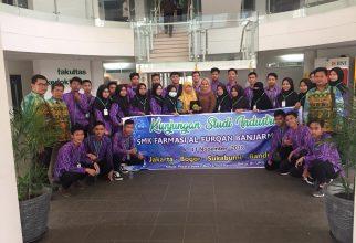 SMK Farmasi Al Furqan berkunjung ke FF UI