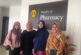 Kunjungan Wardah ke Fakultas Farmasi