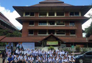 Memanfaatkan Waktu Liburan, SMA Alfa Centauri Bandung Mengunjungi Fakultas Farmasi UI