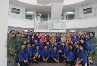 SMA Negeri 4 Denpasar Bali Studi Kampus ke Fakultas Farmasi UI