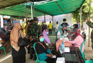 FFUI Berkerja Sama dengan TNI Selenggarkan Vaksinasi Massal di Desa Sasakpanjang